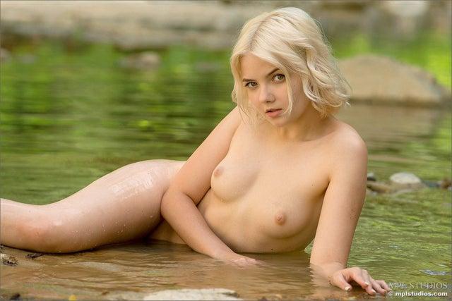 Belle escort boy 6 annonce Lyon ? Paloma, 30 ans